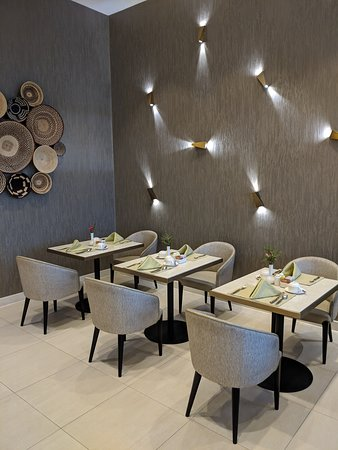 Four Points by Sheraton Nairobi Airport: Restaurant