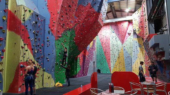‪The Pinnacle Climbing Centre‬