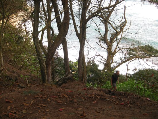 Kilauea, Hawái: Steep path down to the beach.