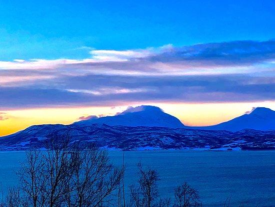 Nordkjosbotn, Noruega: Beautiful frozen nature, colorful sunsets