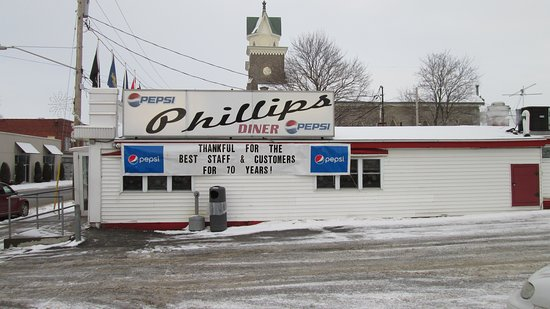 Ogdensburg, NY: Phillips has been around a long time - good food!