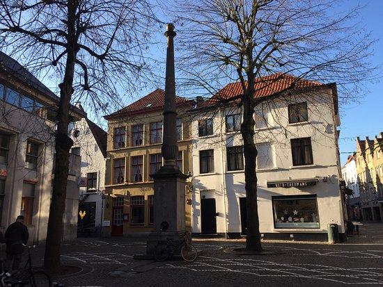 Sint-Amandsstraat Hand Pump