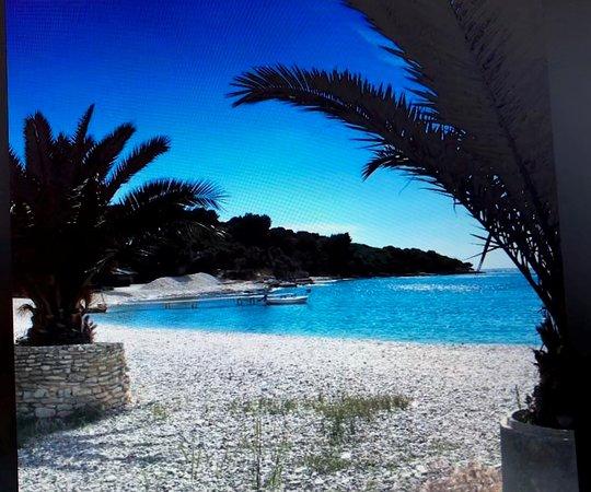 Stinjan, Croatia: Beautiful beach in Štinjan near New Apartment Puntizela-Patty