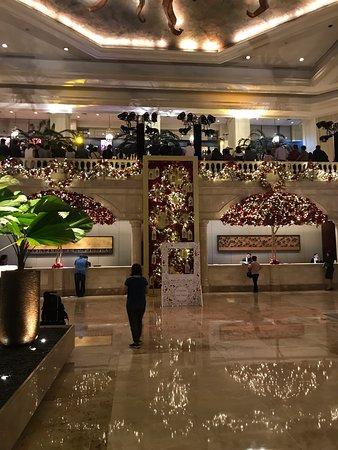 The Lobby At Manila Peninsula Hotel Makati Restaurant