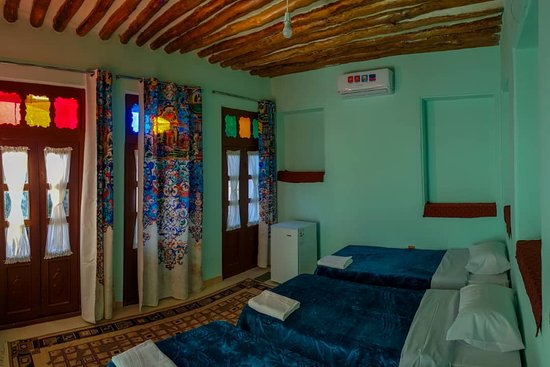 Pasin Traditional Hotel: Triple ensuit room...