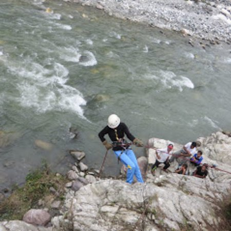 Nanda Devi Institute of Adventure Sports: Disaster response training by NDI, Kuflon Uttarkashi
