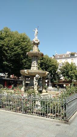 Plaza Bib-Rambla: Фонтан