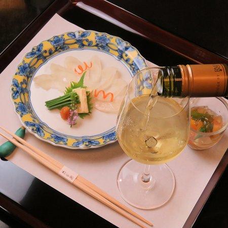 ワイン懐石。12,000円。 ワインに合う献立を提供させて頂ます。