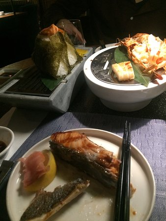 Onigiris and grilled seafood, what else a Japanese could ask for? I felt like I was back in Japan!