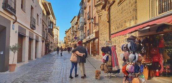 Un poco de amor en el increíble marco de Santo Tomé, Toledo