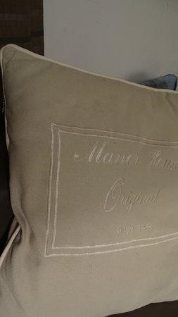 Oye-Plage, France: vuile oude sofakussens