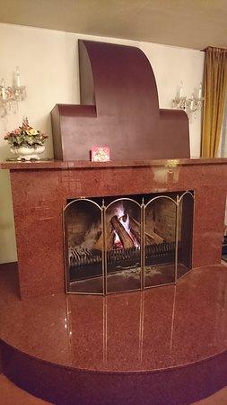 談話室にも暖炉があります