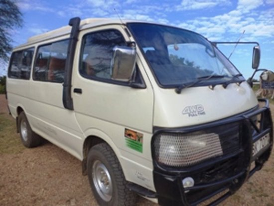 Tour Van 4x 4 With pop up roof for wildlife viewing Capacity 6 pax with viewing window.