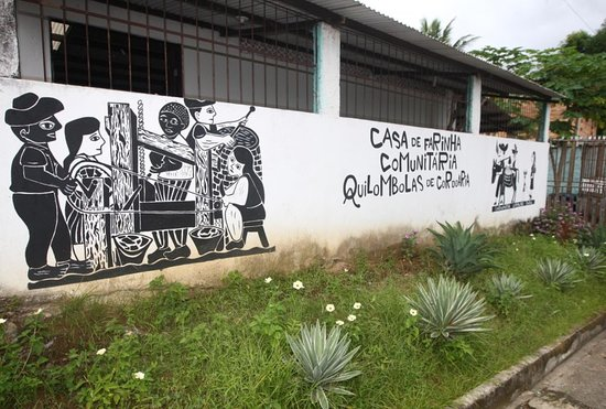 Abrantes, BA: Casa da farinha do Quilombo da Cordoaria