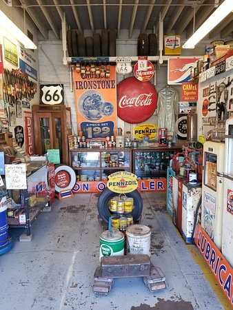 Pete's Rt 66 Gas Station Museum: Inside the museum section of this gem