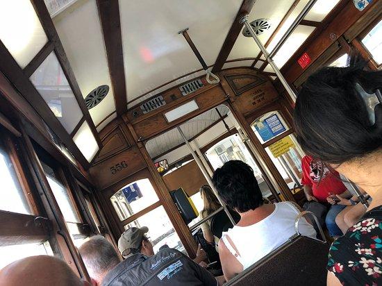 Lizbon, Portekiz: Intérieur du tram 28