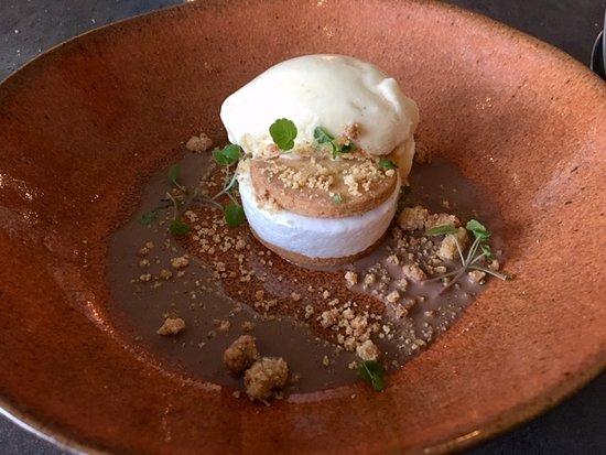 Hoeven, The Netherlands: tegenvallend dessert 'marshmallow'; het ijs was mmmm