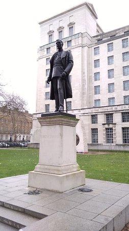 Hugh Trenchard Statue