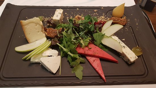 Urban Betyar: Cheese plate