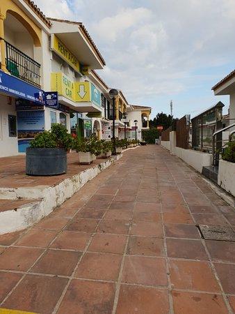 Centro Comercial Riviera Plaza