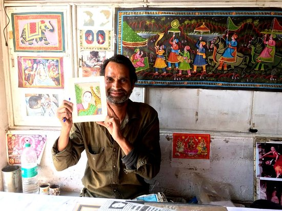Namastey.. Your most welcome in the Bundi City. The Bundi City is world famous for the Wall Paintings. I make Bundi Style Paintings. and Portrait. Plz visit in my Paintings Gallery. I will show you how  miniature paintings are made.. Thanks