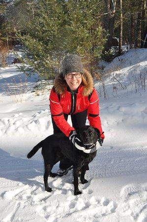 Buckhorn, Kanada: The inn has a very friendly dog on-site.