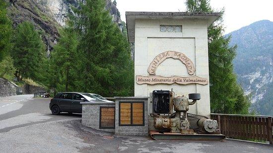 Lanzada, Italie : Esterno e parcheggio del Museo della Bagnada