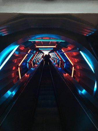Atomium: Внутри
