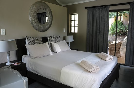 Lidwala Backpacker Lodge: Luxury room R715.00 per night with private deck