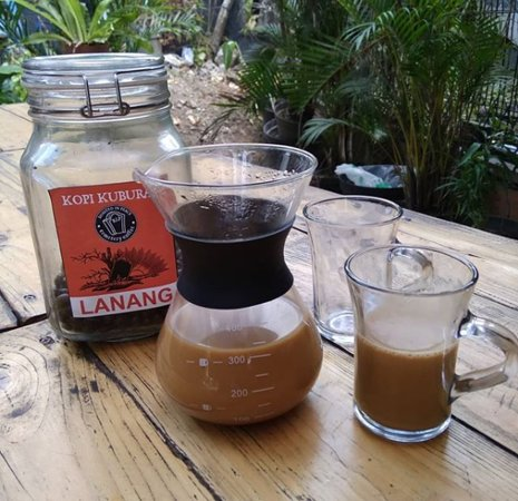 peaberry coffee with milk
