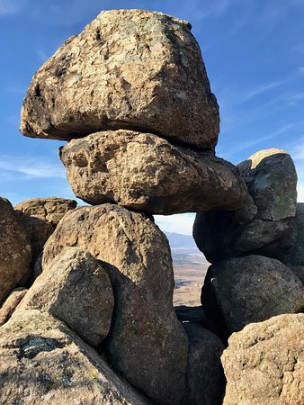 still wondering how the rocks got there and why they are grouped in exactly this way - might have to do with sunrise