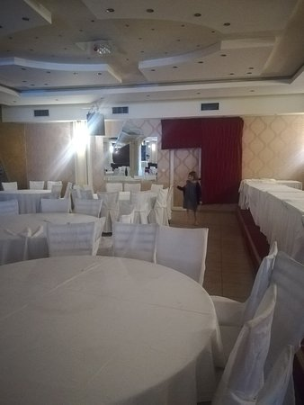 Oraiokastro, Greece: Breakfast room at 08:00