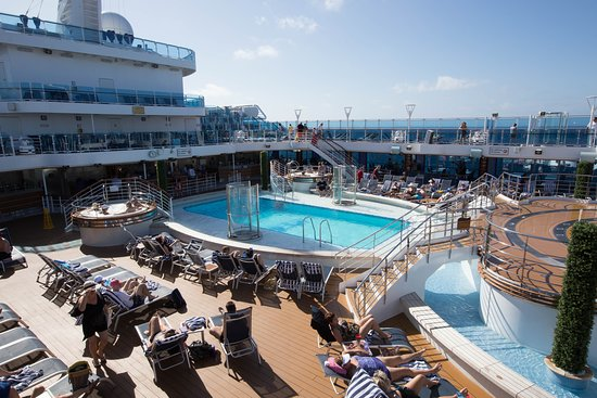 Pool on Regal Princess