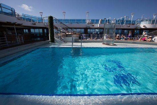 Pool on Regal Princess