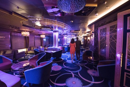 Club 6 on Regal Princess