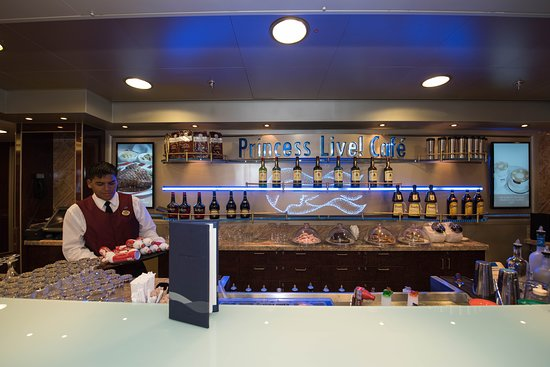 Princess Live! Cafe on Regal Princess