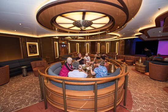 Vista Lounge on Regal Princess