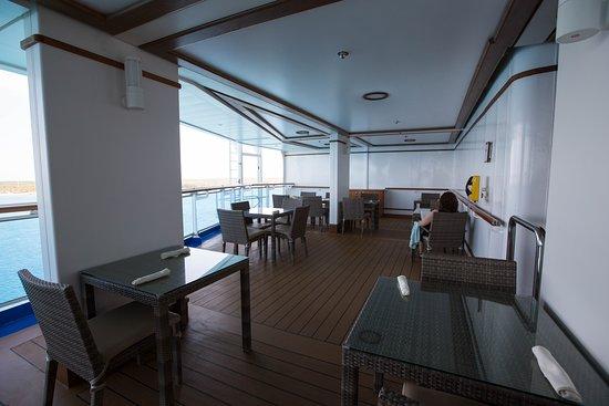 Horizon Terrace Bar on Regal Princess