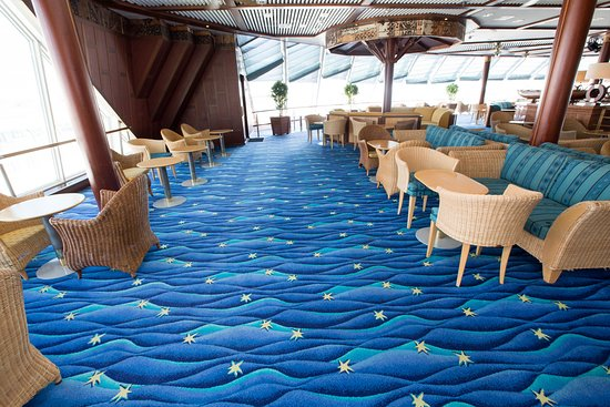 Outrigger Lounge on Norwegian Sky