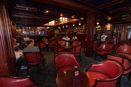 Captain Cook's Bar on Norwegian Sky
