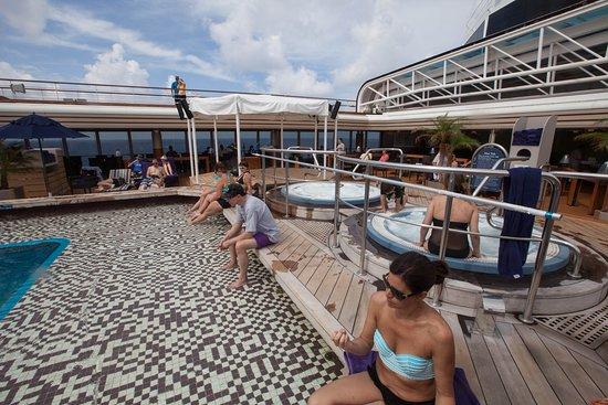 Eurodam: Lido Pool on Eurodam