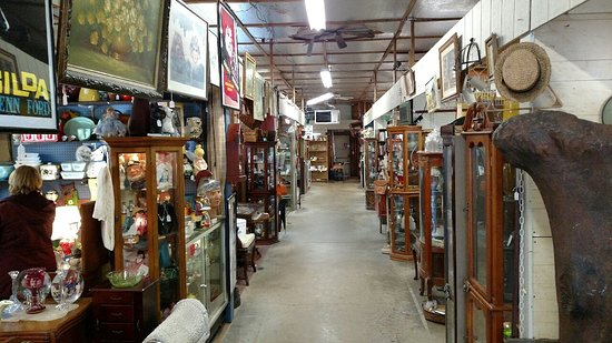 Pocono Antique Mall at Peddler's Village