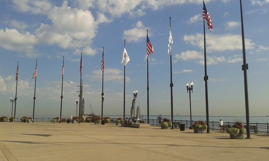Chicago, IL : End of Pier