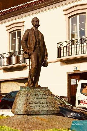 Ponta Delgada, Portugália: Estátua Eng. José Cordeiro- Circuito Histórico.