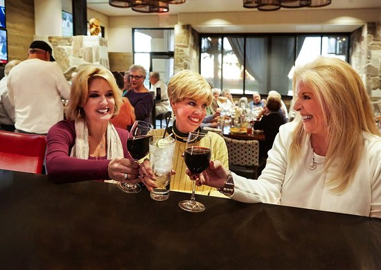 Sun Lakes, AZ: Friends all agree, Stone & Barrel is a great girls night out.