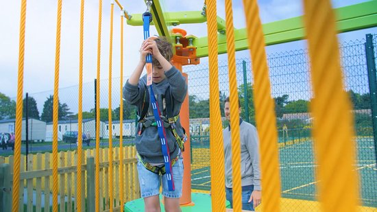 Hemsby Beach Holiday Park : Sky Tykes course for younger children