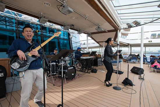 Poolside Entertainment on Celebrity Eclipse
