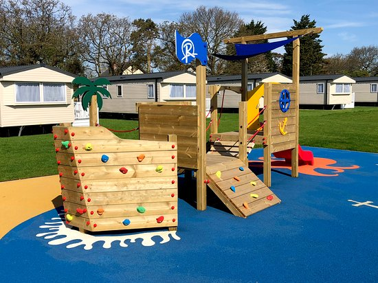 Hemsby Beach Holiday Park : Outdoor play area outside the Quarterdeck Restaurant