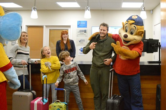 Hemsby Beach Holiday Park : Check in with Ellie the Elephant and Richie the cheeky monkey
