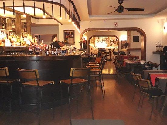 Ga'u Antique: Genel ve Bar dan görünüm